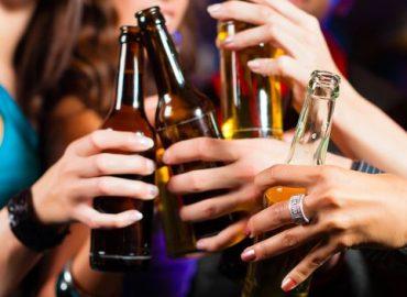 Alkohoreksja – skąd się wzięła, jakie są objawy i do czego prowadzi?