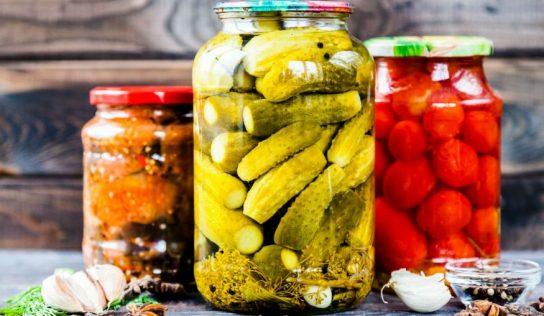 Kiszonki – dlaczego tak lubimy je jeść?
