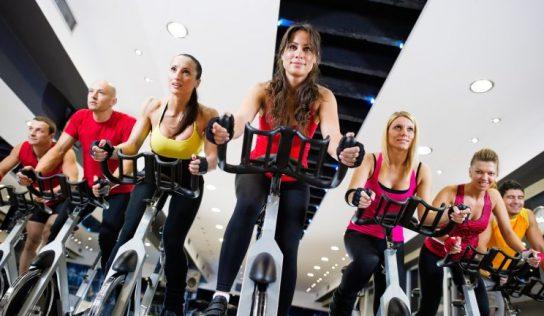 Spinning – czym jest ta forma fitnessu?