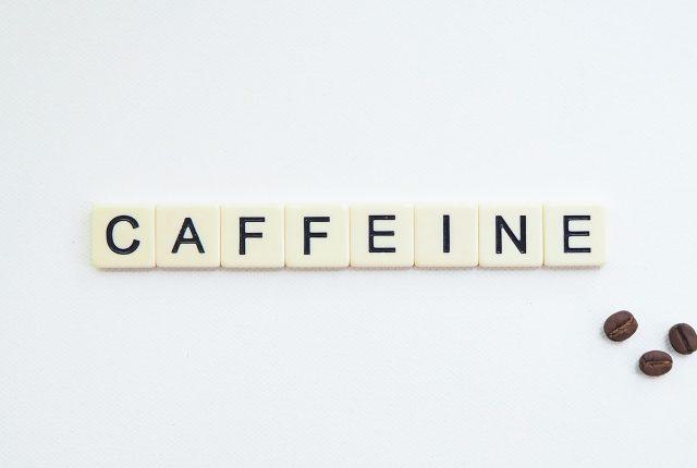 Kofeina w treningu oporowym – mini kompendium